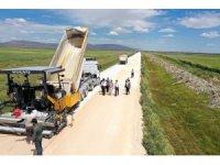 Karatay'da yol ve asfalt seferberliği sürüyor