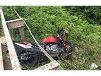 Yoldan çıkan motosiklet sürücüsü yaralandı