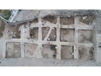 4 bin yıllık toprak kalede arkeolojik kazı