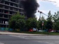 Küçükçekmece'de çöp kamyonu alev alev yandı