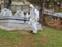 Kastamonu Belediyesi, kabristanlıkların dezenfekte ve temizlik çalışmalarını tamamladı