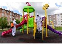 Yakutiye'deki  parklar çocuklar için yeniden dezenfekte edildi