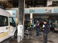 Polis ekipleri sanayi esnafına 10 bin maske dağıttı
