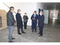 Vali Toraman, okul binası inşaatlarında incelemelerde bulundu