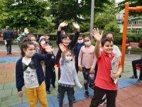 Çocuklar sokağa çıktı, parklarda doyasıya eğlendi