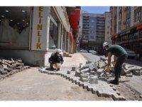 Cizre'de yol yapım çalışmaları devam ediyor