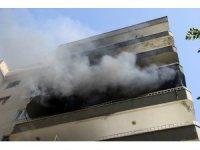 Diyarbakır'da yangın, ev kül oldu, apartman tahliye edildi