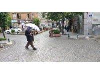 Ani yağmur vatandaşları hazırlıksız yakaladı