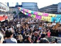 Irkçılık karşıtı protestolar İsveç'e sıçradı