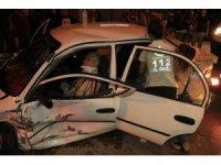 Adana'da iki otomobil çarpıştı: 7 yaralı