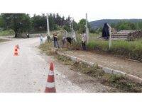 İvrindili gençler belediye işçilerine yardım etti