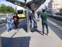 Ayakta yolcu düzenlemesinin ardından metrobüste yeni dönem