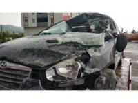 Tıra çarpan otomobil sürücüsü ağır yaralandı