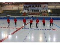 Short Track Milli Takımı sporcuları Polonya'dan canlı yayınla antrenman yapıyor