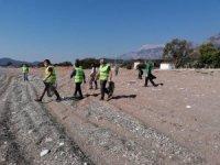Kemer'de Dünya Çevre Günü kapsamında sahiller temizlendi