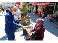 Yozgat'ta gönüllüler, korona virüse karşı halkı bilinçlendirdi