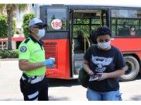 Uygulamada ateşi yüksek çıkan genç kız için ambulans çağrıldı