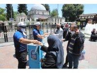 Vatandaşlar cuma namazı için Eyüpsultan'a koştu