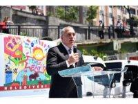Fatih'te çocukların ödüllü resimleri belediyenin çöp kamyonlarını renklendirdi