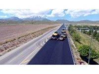 Erciyes yolu asfaltında aşınma katmanı çalışmalarına başlandı
