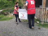 Pınarbaşı'nda evi yanan aileye yardım