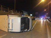 Lüks aracın çarptığı kamyonet yan yatarak metrelerce sürüklendi: 1 yaralı