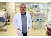 """Prof. Dr. Rahmi Örs: """"Bebeklerde ishalden korunmada en önemli faktör anne sütü ile beslenmedir"""""""