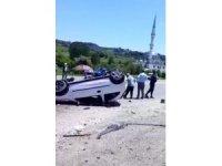 Araç takla attı: 2 yaralı