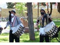 Abdal Halil Ağa'nın torunlarından davul şov