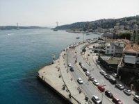 Sokağa çıkma kısıtlaması olmayınca vatandaşlar Bebek Sahil'e akın ettiler