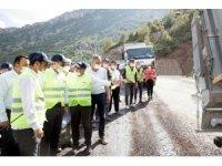 Mersin'in yüksek rakımlı bölgelerinde yol yapım çalışmaları sürüyor