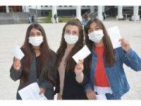 Belediyeden YKS sınavına giren öğrencilere maske