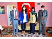 Vali Hüseyin Öner ve eşi Zehra Mine Öner, şehit ailesi ziyaretinde bulundu