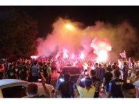 Adana Demirspor kulübü, galibiyetin ardından şampiyon gibi karşılandı