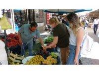 Uşak'ta sebze fiyatları düştü, meyve fiyatları arttı