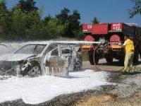 Çanakkale Çan'da alev topuna dönen araç kullanılamaz hale geldi