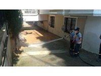 Gebze Belediyesi su baskının izlerini siliyor