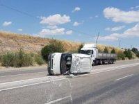 Minibüs takla attı: 1 yaralı