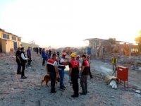 Afet Kriminal İnceleme ekibi Hendek'te havai fişek fabrikası patlama bölgesinde
