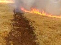 Anız yangınına traktörle müdahale