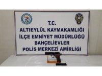 Polis Balıkesir'de 3 silah ele geçirdi