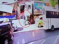 Esenyurt'ta çöp kamyonu kadını ezdi