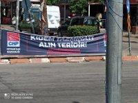 Bünül'den CHP'nin pankartına tepki