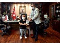Bedensel engelli gençten Ataç'a ziyaret
