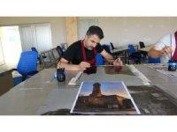 Muş'un tarih ve kültürü gravüre yansıtıldı