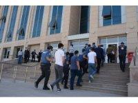 Van'da 'Göçmen Kaçakçılığı ve İnsan Ticareti' operasyonu: 5 gözaltı