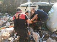 Marmaris'te otomobil dereye uçtu: 4 yaralı