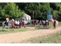 Körfez'in gençlerine kamp ödülü