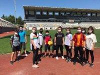 Yunusemre Belediyesporlu tekvandocular toplu idmana başladı