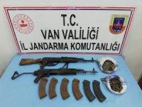 Van'da terör operasyonu, uzun namlulu silahlar ele geçirildi